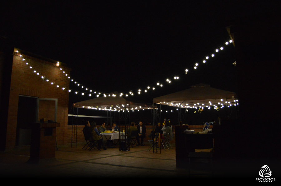 Luces led para eventos bombillo led pingpong for Luces decoracion exterior